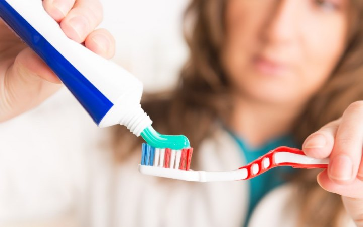 What Toothpaste Should I Use? | Dentist Fresno CA